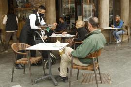 El paro baja un 8% entre abril y mayo en Baleares