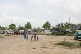 Vila prepara el desalojo del campamento de caravanas