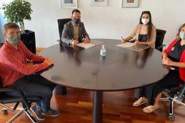 Vila y Alianza Mar Blava firman un convenio para proteger el municipio ante proyectos de explotación de hidrocarburos