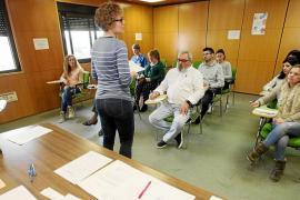 Casi 1.000 personas admitidas en la lista provisional para las pruebas de lengua catalana en las Pitiusas