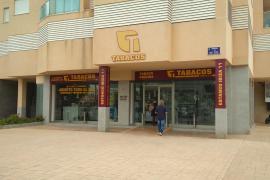 Atraca a mano armada un estanco de Ibiza y se lleva más de 1.000 euros