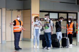 Los viajeros con la vacunación completa podrán entrar en España desde este lunes