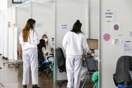 Salud ha administrado más de 75.000 dosis de vacunas en las Pitiusas