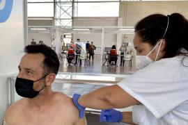 El PP dice que estar a la cola de la vacunación dificulta la recuperación del empleo