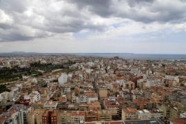 La compraventa de viviendas baja en Baleares