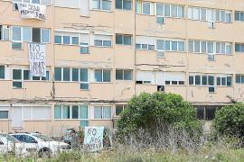 Los vecinos del Don Pepe contienen la respiración tras la paralización del desalojo