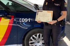 Reconocimento del Consell de Ibiza a la única mujer con cinturón negro de Jiu Jitsu en la Policía Nacional