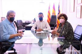 Sant Antoni firma los convenios de colaboración con Cáritas, Fundació Deixalles y APAAC