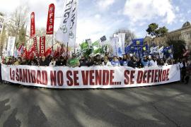 Multitudinaria asistencia a la nueva 'marea blanca' en defensa de la sanidad pública madrileña
