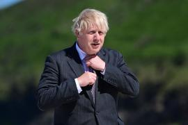 Boris Johnson ve «muy preocupante» el avance de la variante Delta, más contagiosa