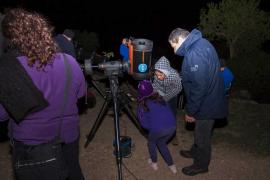 El Consell y la Agrupación Astronómica de Ibiza reanudan las Observaciones desde Cala d'Hort