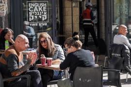 Israel también se quita la mascarilla