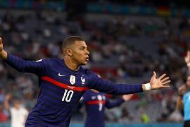 Francia minimiza a Alemania en su debut