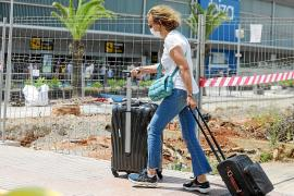 ¿Qué le parece que el aeropuerto de Ibiza esté en obras en plena temporada?