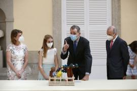 """El rey Felipe VI celebra la tradicional audiencia con los niños ganadores del concurso escolar """"¿Qué es un rey para ti?"""""""