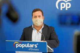 El PP acusa al Gobierno de «abandonar» al sector turístico
