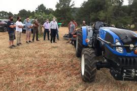 El Consell subvenciona la compra de un tractor a la Federación de Balear de Caza