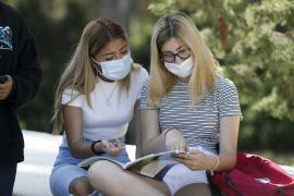 Santa Eulària aprueba la lista provisional de ayudas para los jóvenes que estudiaron fuera de la isla en el curso 2020/21