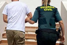 Libertad para el joven detenido en Santa Eulària con decenas de dosis de diez drogas diferentes