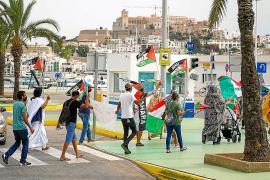 Medio centenar de personas marchan en Ibiza por la libertad del pueblo saharaui