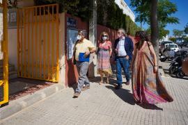 La visita del conseller de Educación y Formación Profesional al IES Isidor Macabich, en imágenes.