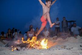 Sant Antoni cierra las playas del municipio a las 22 horas en la Nit de Sant Joan
