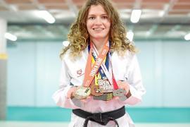 Cristina Ferrer cuelga el karategui