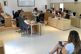 Formentera insta a las eléctricas a que habiliten el uso en la red de los excedentes de particulares