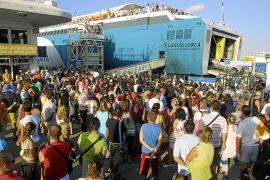Eivissa insiste en que el pasaje de Formentera debe ir al Martillo y los barcos mixtos a es Botafoc