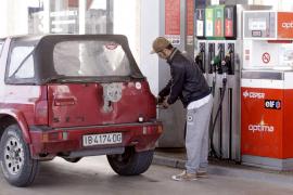 La gasolina y el gasóleo se  abaratan por primera vez en enero, un 0,7%