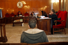 El apuñalador de Sant Antoni afirma que se sentía «otra persona, como si tuviera un demonio dentro de mi cuerpo»