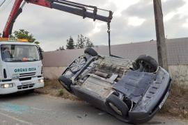Jornada accidentada a las carreteras de Ibiza con dos heridos en aparatosos siniestros
