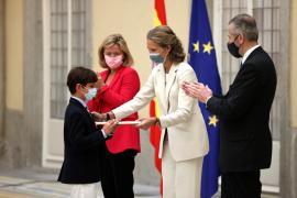Infanta Elena en Concurso de Pintura Infantil y Juvenil de Patrimonio Nacional