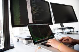 Características que debe tener el hosting en el que alojes tu página web