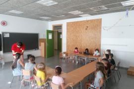 640 niños y jóvenes empezaron este jueves las actividades en las escuelas de verano de Vila