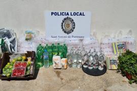 La Policía denuncia a cinco personas por venta ambulante en Cala Salada