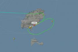 Un avión aborta su aterrizaje en el aeropuerto de Ibiza