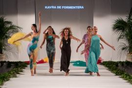 La isla de Formentera vibra con el 'retorn' de su Passarel·la de la Moda