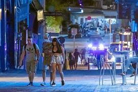 El Govern fija restricciones de aforo y de ocupación en mesa para el West End