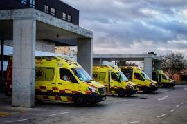 Piden que se refuerce el servicio de ambulancias de Sant Joan para el verano