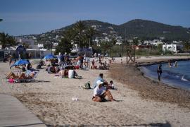 El PP alerta sobre la «mala y negligente» gestión de Vila de los servicios en las playas