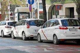 Santa Eulària aprueba la reactivación de las 50 licencias temporales de taxi