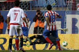 Un partido trepidante da ventaja al Atlético (2-1)