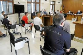 Once de los doce acusados por tráfico de drogas en sa Penya se acogen a una conformidad