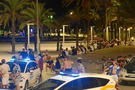 Desalojan a más de mil jóvenes de noche en un macrobotellón en Mallorca
