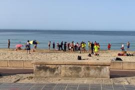 Fallece un hombre de 87 años mientras nadaba en una playa de Mallorca