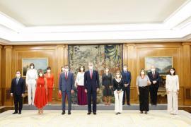 Los nuevos ministros y vicepresidentas de Sánchez prometen sus cargos y Díaz recurre a la fórmula «Consejo de Ministras»