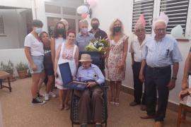 Juan Roselló Ferrer, 'Juanito', cumple 100 años rodeado de familia y amigos