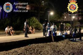 Policía Local y Nacional desmantelan un botellón con 40 personas en Platja d'en Bossa