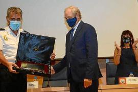 El ICAIB reconoce al comisario Manuel Hernández con el premio Turno de Oficio